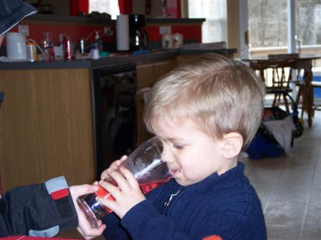 Eli drinking